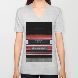 FRONT VIEW OF THE CAR IN RED IN A DEEP COMPOSITION Unisex V-Neck