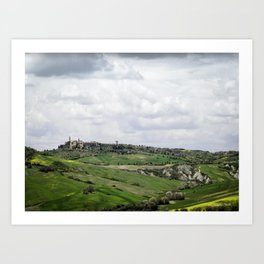 A pastoral view of Pienza, Italy Art Print