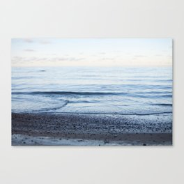 Calm waves, pastel sunset Canvas Print