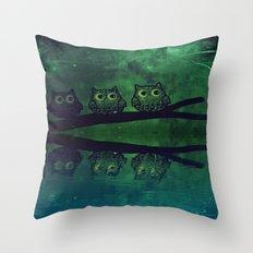 owl-86 Throw Pillow