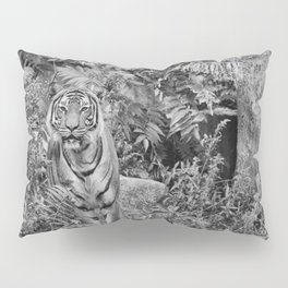 Tiger Mimicry Pillow Sham
