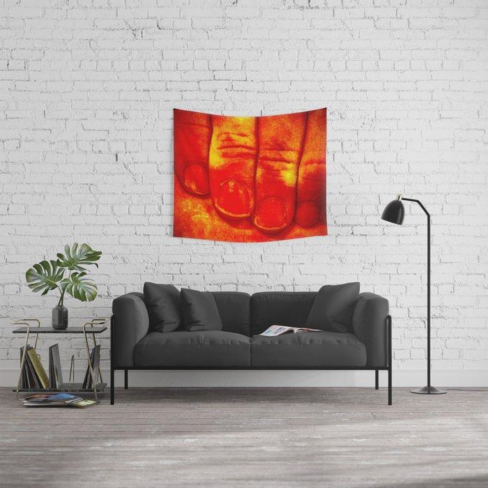 Dedos Rojos Wall Tapestry