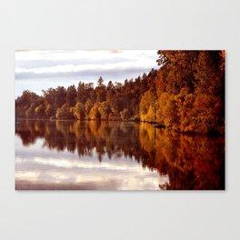 RADIANT AUTUMNAL REFLECTION Canvas Print