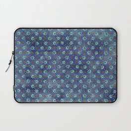 Amazing Watercolor Snowflakes Pattern on the dark blue background Laptop Sleeve