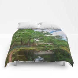 Jean-Drapeau Arch Pond Comforters