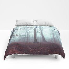 Solstice in Fog - Woodlands in Winter Mist Comforters