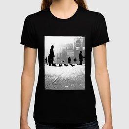 Duomo Square - Milan- Italy Photo by Andrea Scuratti T-shirt