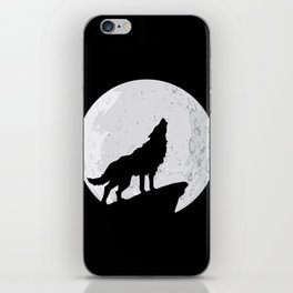Wolf Howling To the Moon iPhone Skin