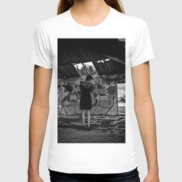 En Ruinas T-shirt