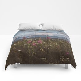 Mountain vibes - Landscape and Nature Photography Comforters