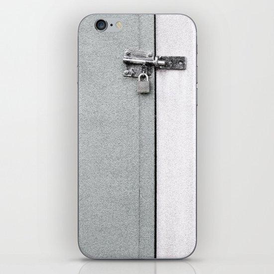 closed#04 iPhone & iPod Skin