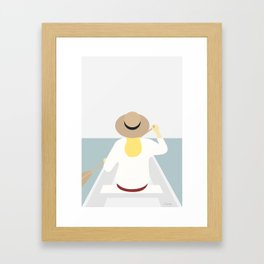 Kvinde i båden Framed Art Print
