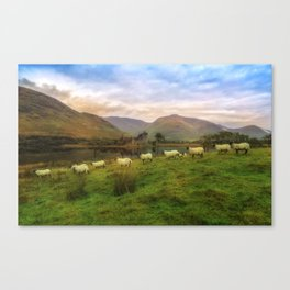 Autumn at Kilchurn Castle Canvas Print