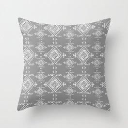 dentelle Throw Pillow