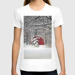 Red Barn in the Snow T-shirt
