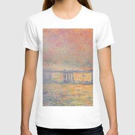 Charing Cross Bridge (Saint Louis), Claude Monet T-shirt