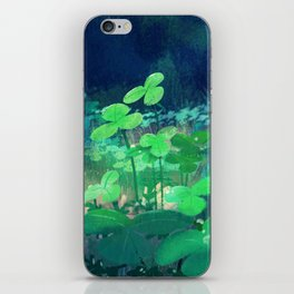 clovers iPhone Skin