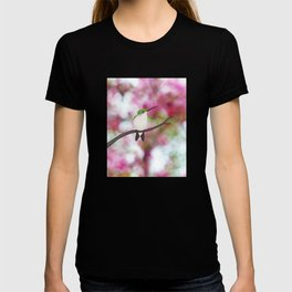 ruby throated hummingbird - female on pink bokeh T-shirt