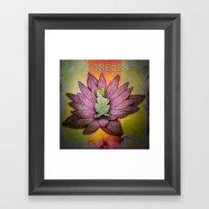 Florecer Framed Art Print