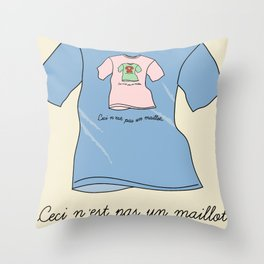 La trahison des maillots Throw Pillow