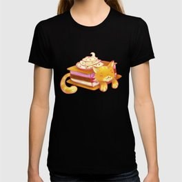 Ice sandwich cat T-shirt