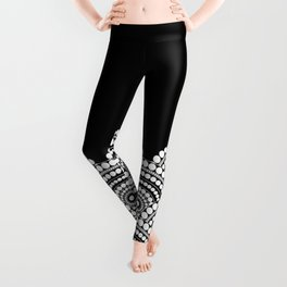 BLACK AND WHITE (abstract pattern) Leggings