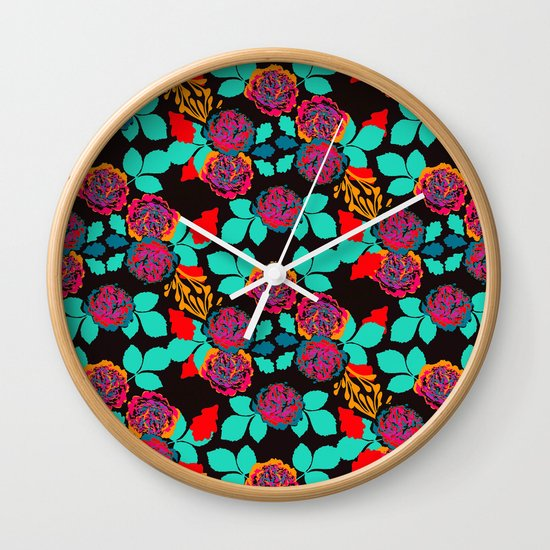 Black and Red Vintage Pop Carnation Garden Wall Clock