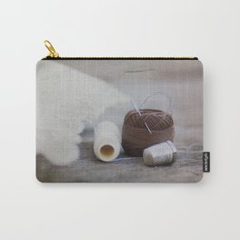 hilo y dedal Carry-All Pouch