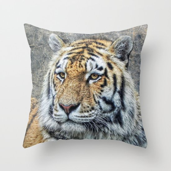 panthera tigris Throw Pillow