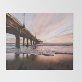 MANHATTAN BEACH PIER Throw Blanket