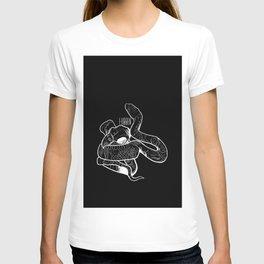 Snake and bird, true love. T-shirt