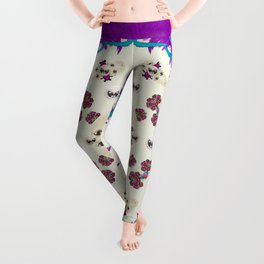 Eyes looking for the finest in life as calm love Leggings