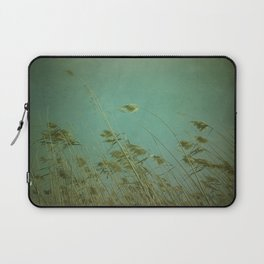When the wind blows Laptop Sleeve