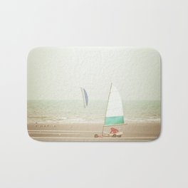 Land yacht beach Bath Mat