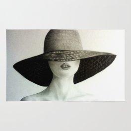 Under her hat Rug