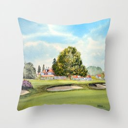 Sunningdale Golf Course 18th Green Throw Pillow