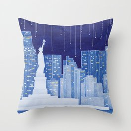 New York, Statue of Liberty Throw Pillow