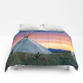 Dual Teepees With Southwest Sunset Comforters