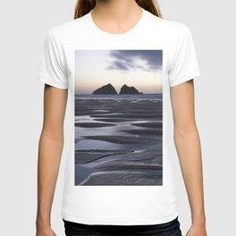 Gull Rock, Holywell Bay, Cornwall, England, United Kingdom T-shirt