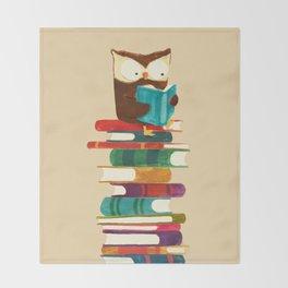 Owl Reading Rainbow Throw Blanket