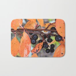 Choke Berries in Autumn Bath Mat