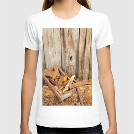 Rusted tools T-shirt