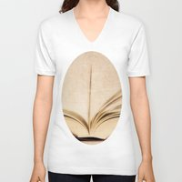 kindle V-neck T-shirts featuring Silent Reading II by Rose Etiennette
