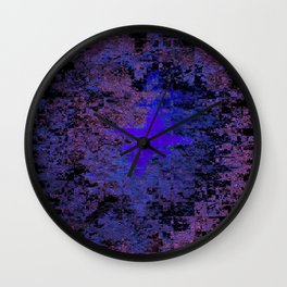 Lost Memories in the Commotion Wall Clock