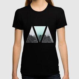 Rocks in blue T-shirt