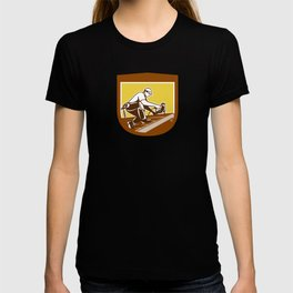 Roofer Roofing Worker Crest Shield Retro T-shirt