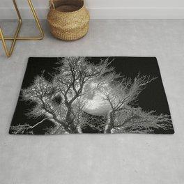 Moonlit tree Rug