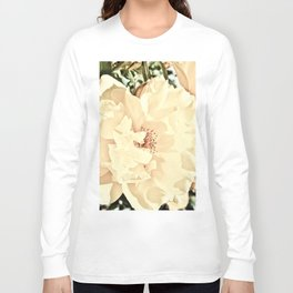 Sandy Pink Roses With Bokeh Long Sleeve T-shirt