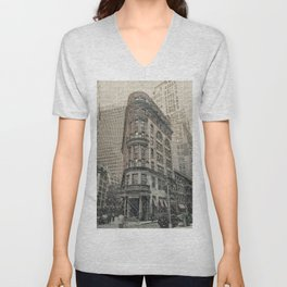 On the Town DPPA160607s-14 Unisex V-Neck