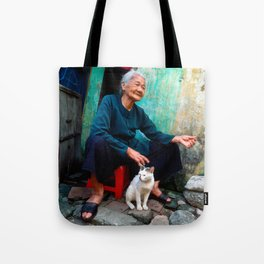Old Woman with Cat - VIETNAM - Asia Tote Bag